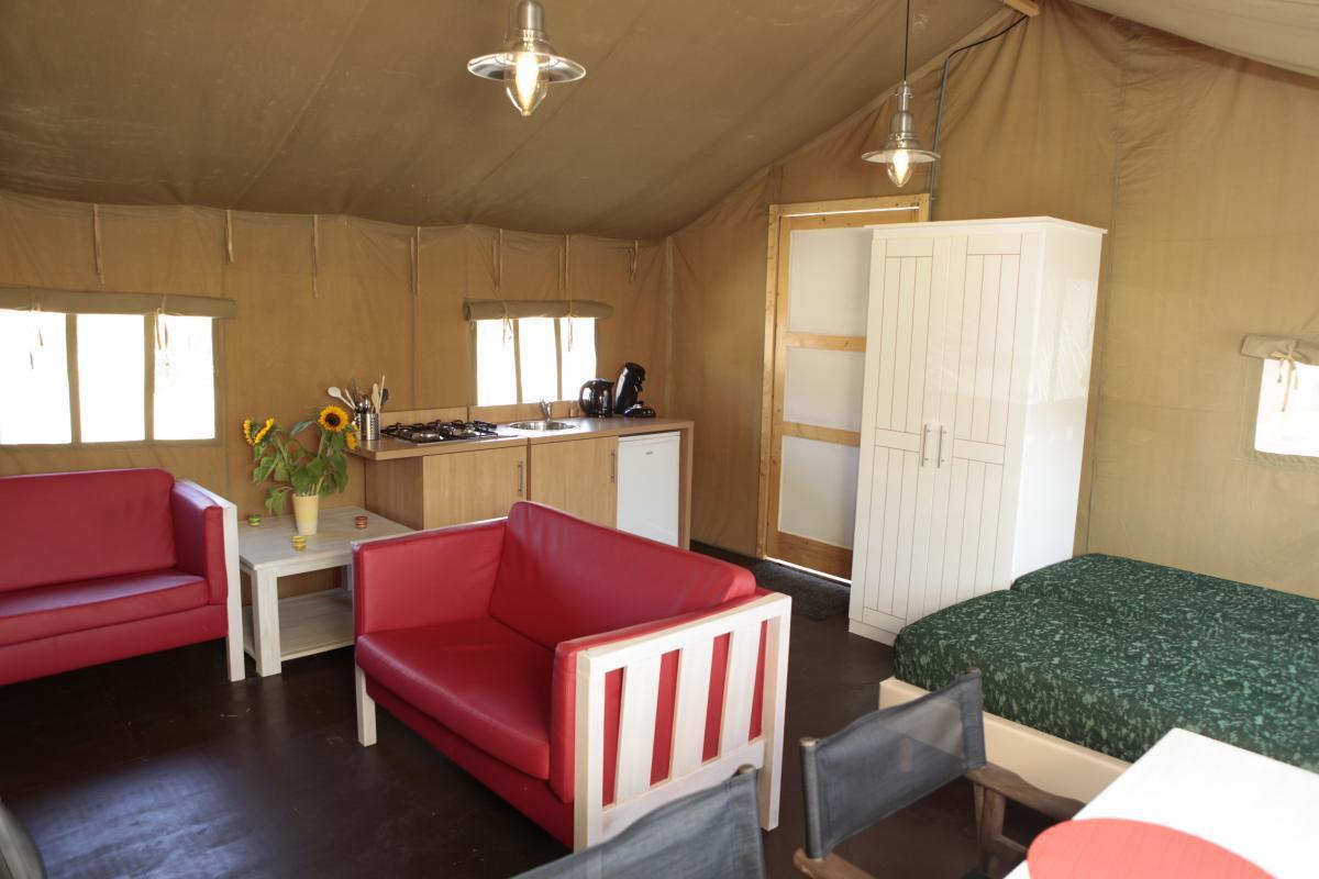 Badkamer met bubbelbad nr in overzichtsfoto picture of