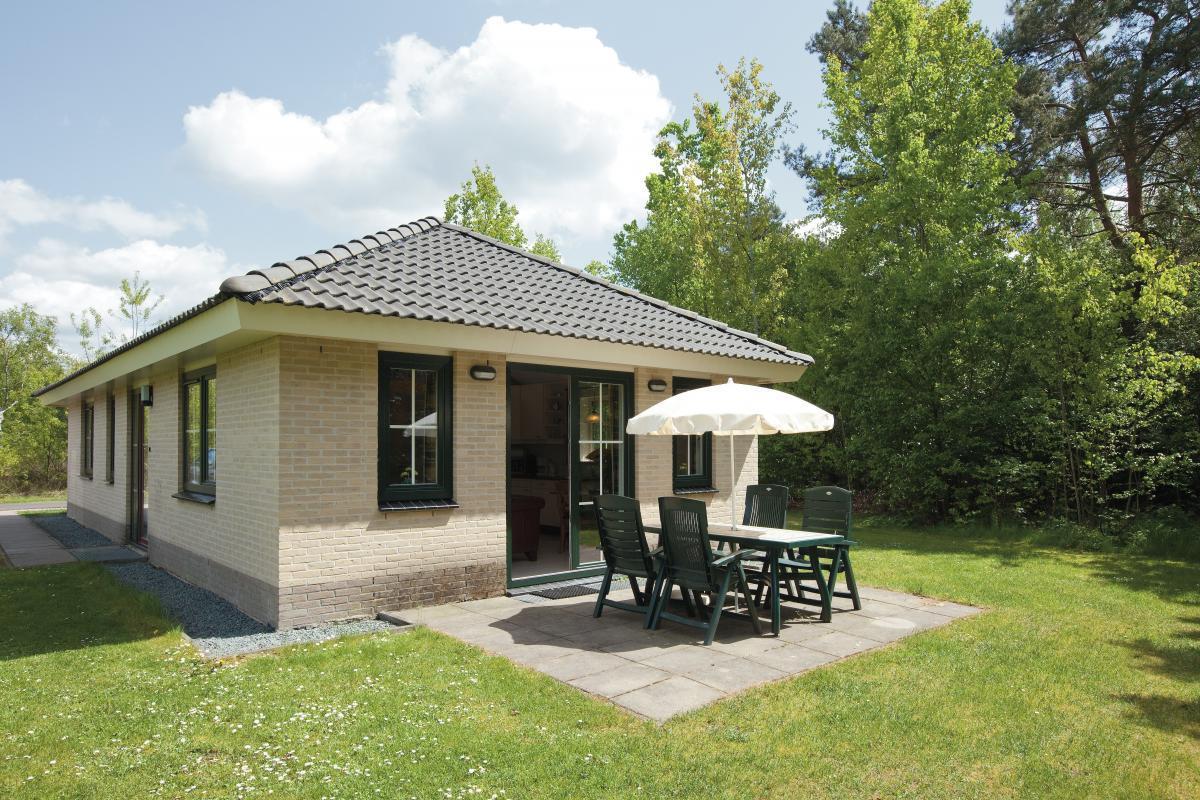 4 persoons bungalow luxe 4bl landal de veluwse hoevegaerde. Black Bedroom Furniture Sets. Home Design Ideas